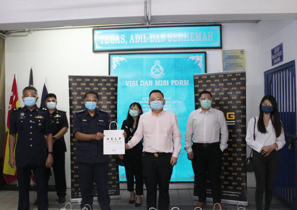 Group photo in Police Station Kajang
